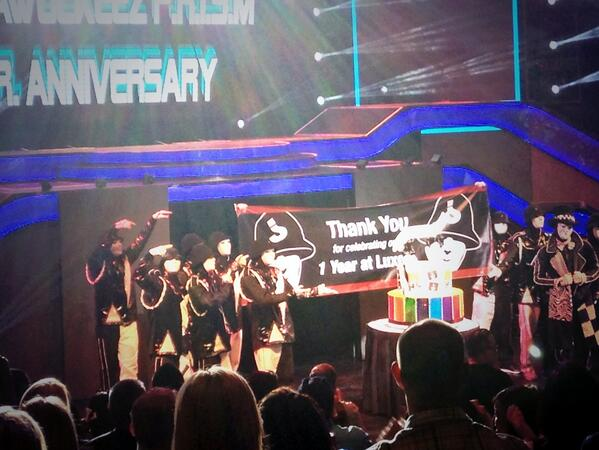Happy first anniversary @LuxorLV to the incomparable @JABBAWOCKEEZ http://t.co/FEKvsjYMLR