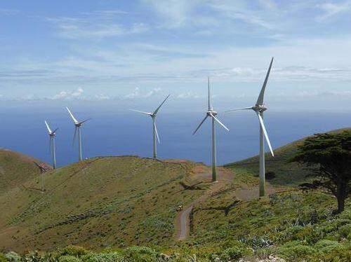 #TrueHistory El Hierro: Primera isla del mundo autosuficiente por energía renovable http://t.co/tGYFviSYBf http://t.co/H00EQ1Mh1l