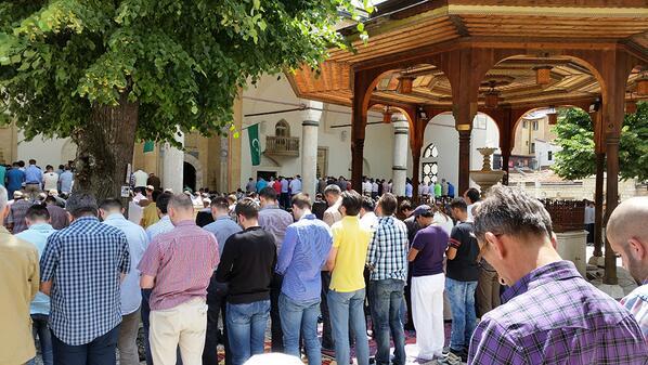 Ramadan Serif Mubarak Olsun! #Ramadan #Sarajevo #Fasting http://t.co/xKsULnBYpI