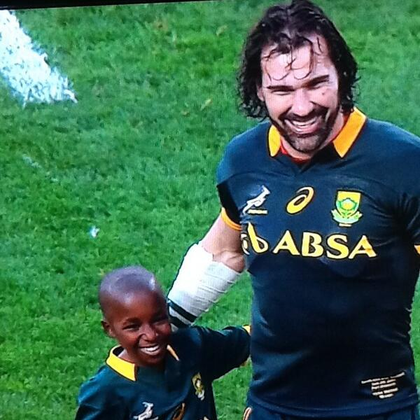 RT @ClintonV: Lovely moment by one of Bok giants @VictorMatfield #