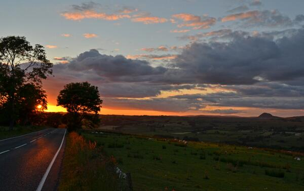 Slemish #Sunset #NIreland  Goodnight :-) http://t.co/lYIP14vELl