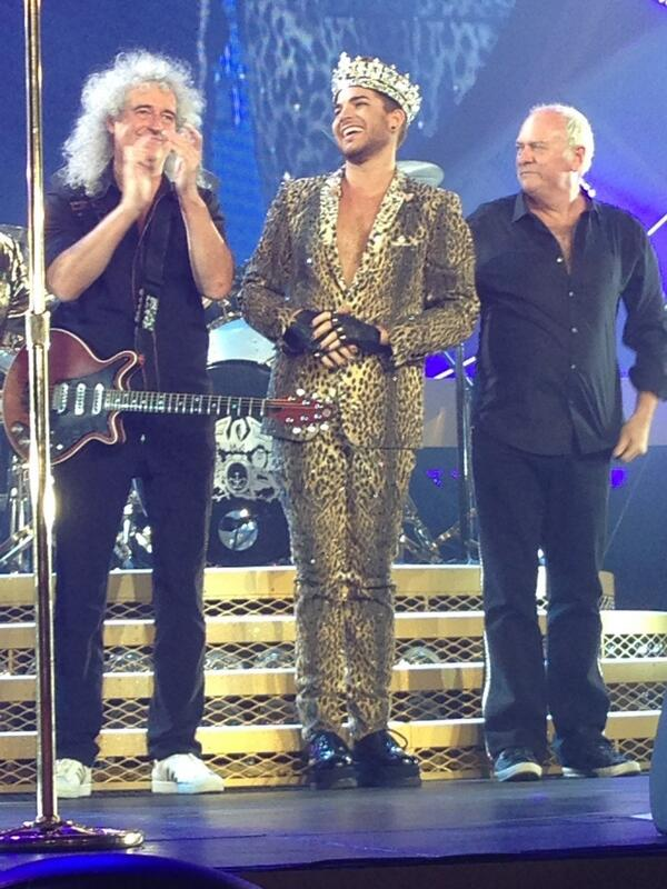 Die hard Queen fan behind us near tears. Said Adam was incredible. Entire show was perfect :*) http://t.co/lqvap0DL9T