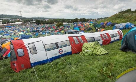 The best tent at Glastonbury? Definitely this 20-person Northern Line tube train http://t.co/WyL56G2xXD http://t.co/j2yyh8vPjX