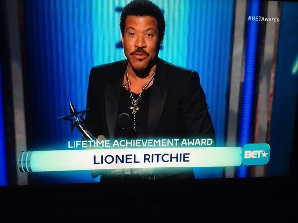 Dear @BET...HOW could you misspell his last name?!?!? http://t.co/eLyUynA2na #BETAwards