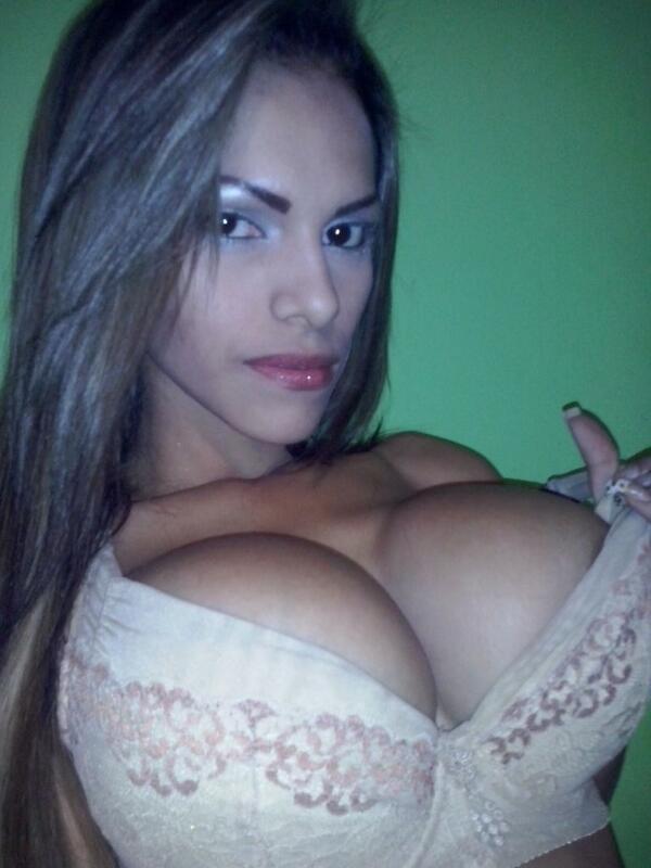 **Dusbeyly** (@Dusbeyly): Feliz Noche... @alejandrito16 @MatrixHotVIP @ModeloVzla  @8oobuenotas @SexKingCandy @ClubTwiteraSexy @UltraAdictivas http://t.co/MeXWYgdz1h