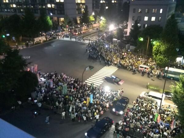 国会記者会館の屋上からの写真。 http://t.co/ejiueKsp8a