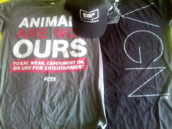 I'll be wearing these T-shirts on stage at my next show!! Thank you @PETA for the wonderful gift. #NoAnimalCruelty http://t.co/wkTdBlJ00a