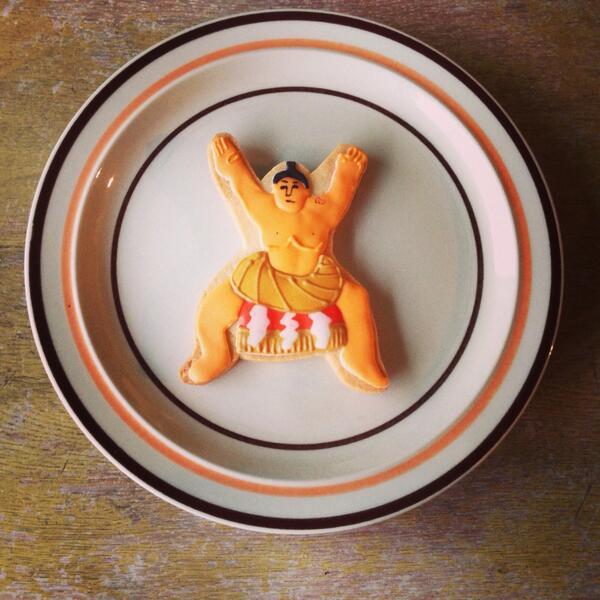 手紙舎2nd STORYで完売してましたおすもうクッキー復活しましたー! http://t.co/YqgsdamvSf