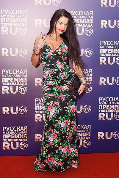 Бьянка в платье