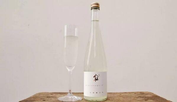 本日から新たな日本酒醸造年度の始まりです。  新、醸造年度を記念して、陸奥八仙FBページに「いいね!」を押していただいている皆様でご応募頂いた方の中から抽選で『陸奥八仙 prototype2014』を5名様にプレゼント致します。 http://t.co/ZB8pzRCo95