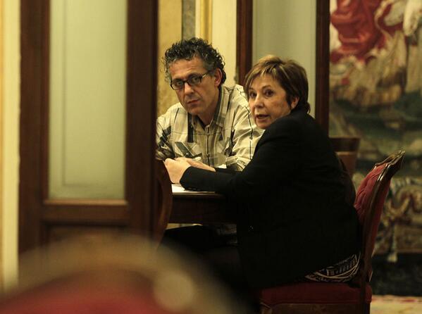 Que pillada han hecho a @pablo_iglesias con la izq abertzale. No como a Celia Villalobos con Mikel Errekondo (Amaiur) http://t.co/Rkoub2m0dg