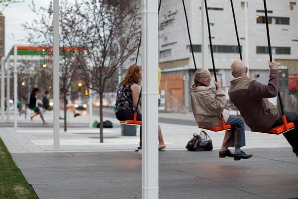 Morning all, how brilliant is this bus stop in Montreal? http://t.co/S1KWznmudN