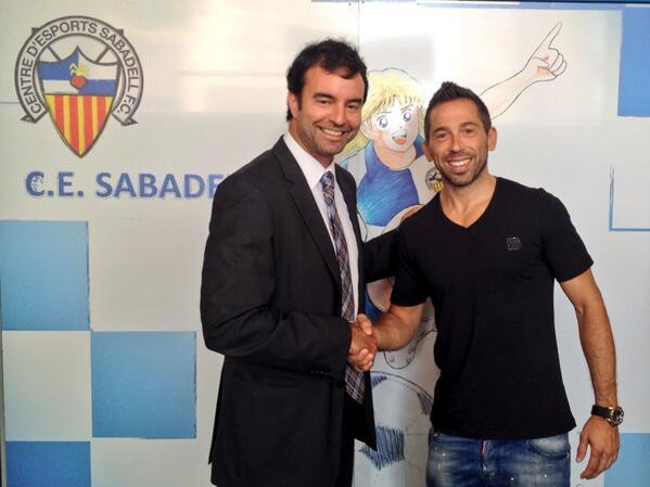 Raúl Tamudo renova una temporada més amb el CE Sabadell. #CES http://t.co/wSUWPn7km1