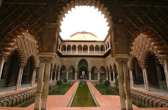 Los Reales Alcázares de Sevilla serán los Jardines del Agua de Dorne en 'Juego de tronos'. http://t.co/eL2QvCehAV http://t.co/PTONb9b65Z
