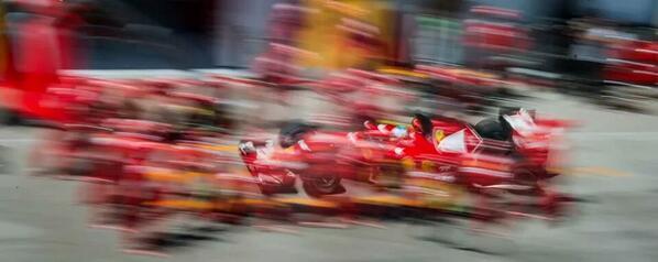 Espectacular foto  GP Austria de @alo_oficial hecha por @miquelliso #F1 ;) http://t.co/9K3BvwZ4s7