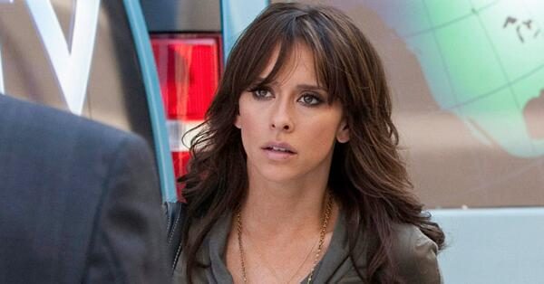 Amazing #CriminalMinds casting news! Jennifer Love Hewitt joins the BAU team. Read the news: http://t.co/Lq7UjLrQfw http://t.co/r2pX6DZOXm