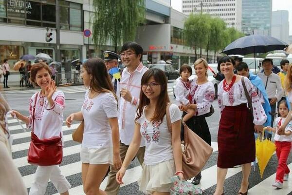 """Марш миру на підтримку Укрїни в Токіо, Японія http://t.co/WAPfbNd8tY"""""""