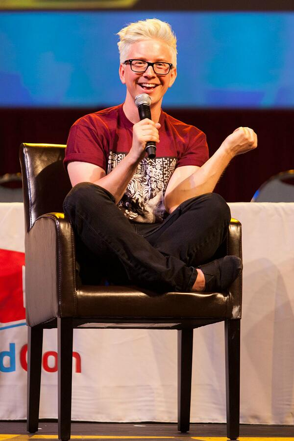 More throwbacks from this year's #VidCon! @tyleroakley in the power chair. http://t.co/PA9A6vnpep