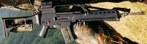 自分がサバゲーの時持ち込んだ、H&KのG36という銃だ。プラパーツが多用されているため見た目から感じるほど重くな