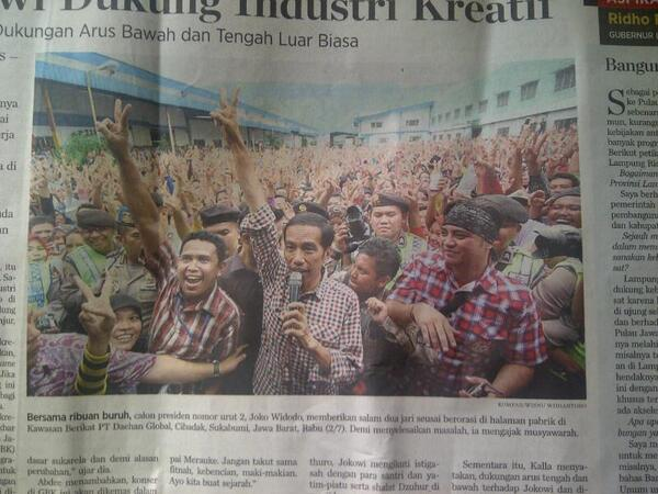 "#Salam2jari!! @mantriss: Jokowi bersama ribuan buruh di Sukabumi, Rabu 2 Juli 2014. Mari lanjutkan perjuangan.... !! http://t.co/vmlODwceDw"""