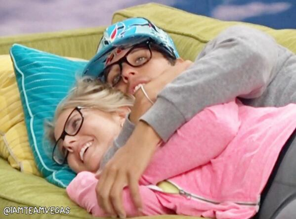 Nicole & Cody are like the Cutest Thing EVER! RT if you want Nicody to be in a Showmance!
