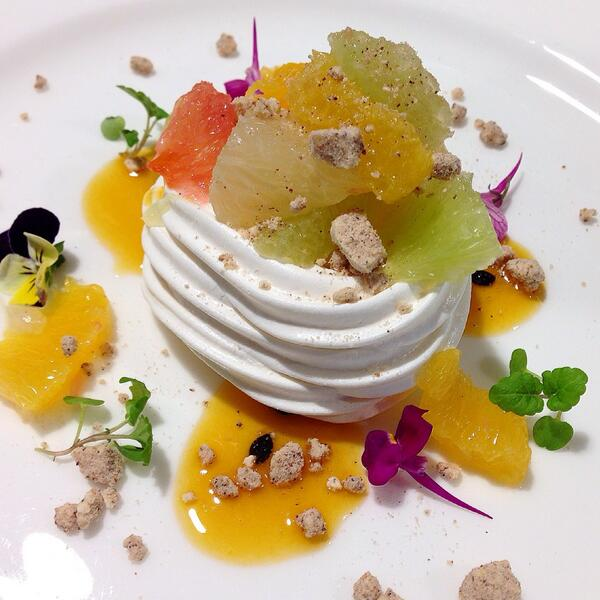 Italpav! RT @TheTuscanBoy: Meringue with citrus fruit, new addition to @OsteriaBalla pre theatre menu as of next week http://t.co/Ok4DQ4bad8