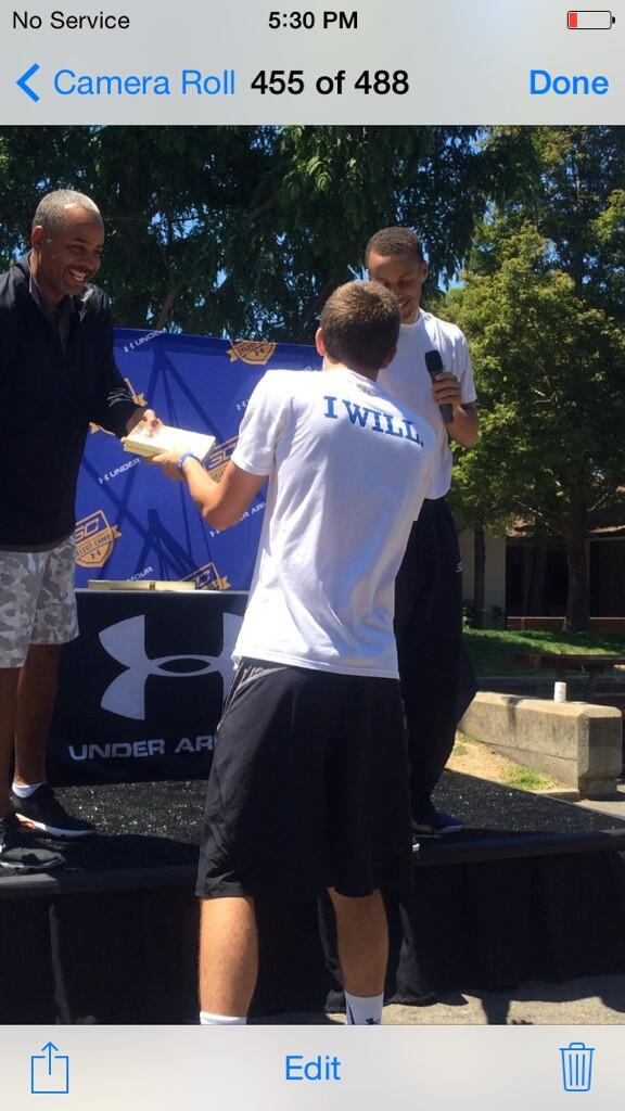 @StephenCurry30 Select Camp Recognition Ceremony: BEST SHOOTER AWARD @Mitchbballin24 http://t.co/iCMvHeZldY