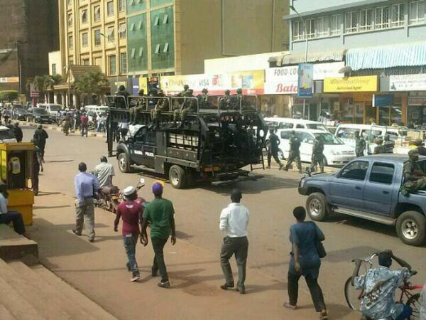 UPDF already on the streets of Kampala over US terror alert! http://t.co/3bJNYrZeWh