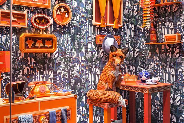Incredible work – Zim & Zou craft 'The Fox's Den' for Hermès Barcelona from paper & leather. http://t.co/bwLK48LNd2 http://t.co/oRoW7ZrHw3