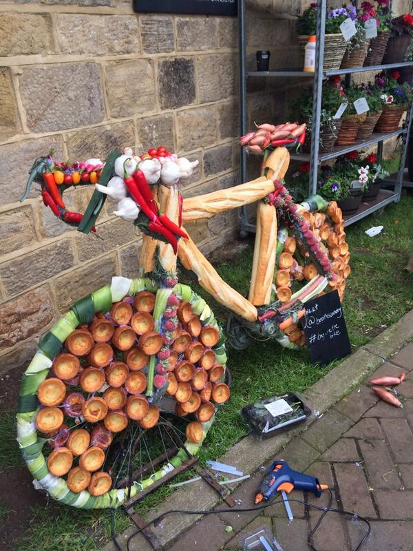 Now this is a real mobile buffet- but where's the #flapjack? #triathlon   http://t.co/Py4ongD92w