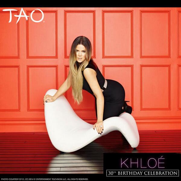 Keep up w/ @khloekardashian in Vegas as she celebrates her Bday w/ us tomorrow! Limited tix: http://t.co/AuykxnZYjD http://t.co/k6gkdPVAS6