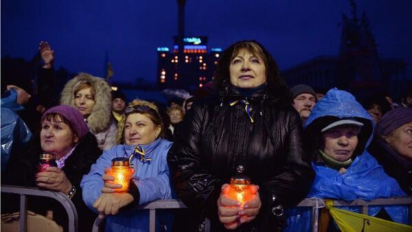 Kiev feels pressure on truce decision