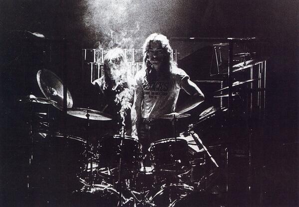 """If you've got a problem, take it out on a drum."" - Neil Peart #tbt #drumming http://t.co/FB2iaQXAuh"