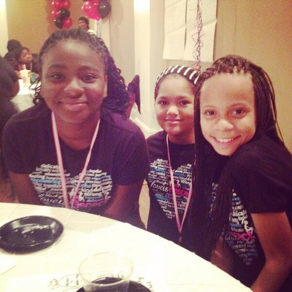 Some of the awesome girls on my #DreamTeam at @blackgirlscode mobile app hackathon in #NOLA #nolatech @essencefest http://t.co/jaJnf3ZUY2