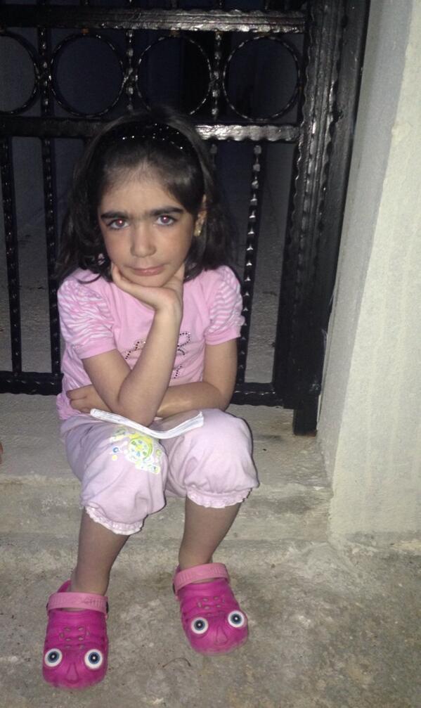 T.C Ebru Destan İnan (@ebrudestaninan): Bana poz veren mahzun prenses Zeynep Rana Aydoğmuş 8 yaşında acil kemik iliği gerekiyor Annesi Hatice hnm 05366464982 http://t.co/n149jALM34