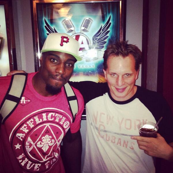 Thought Overeem's 14:1 testosterone ratio was bad? Check out @mmaroasted's 26:1 forehead to face ratio http://t.co/lk829edDcl