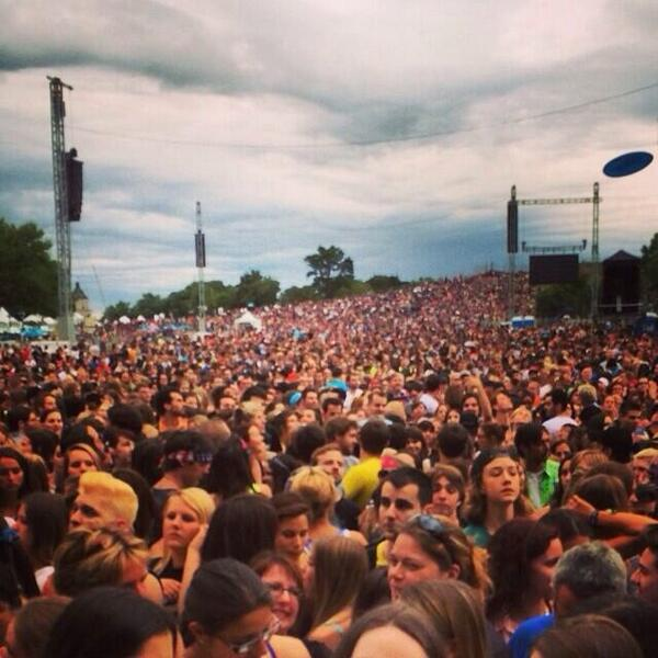 90,000 fans are attending the #artRAVE tonight. That is almost a quarter of the population in Quebec. Only Lady Gaga. http://t.co/Omen3xTWK7