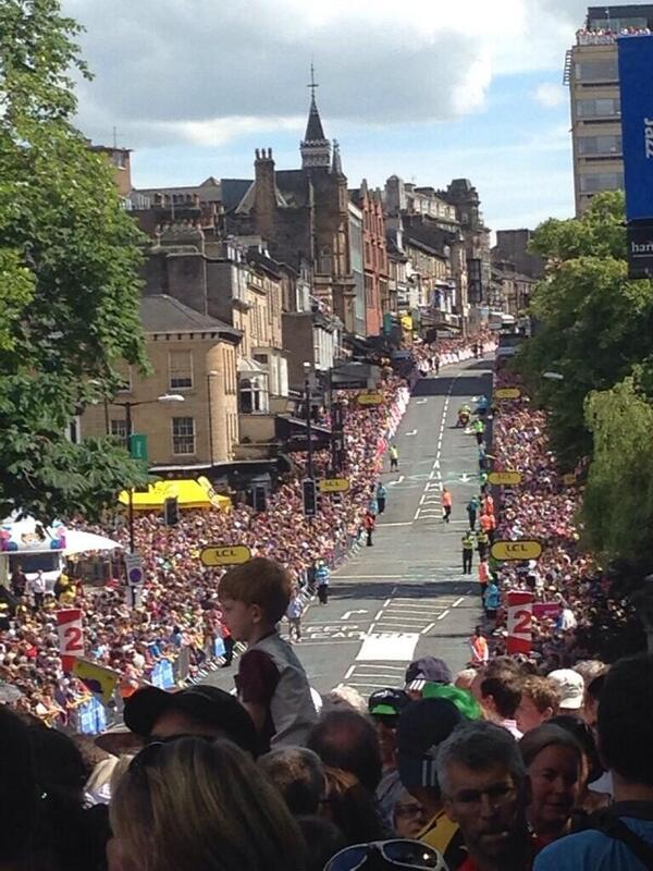 Large crowds gather in Harrogate for We Hate Harry Kewell Day 2014 #lufc http://t.co/2ciLuNls2e