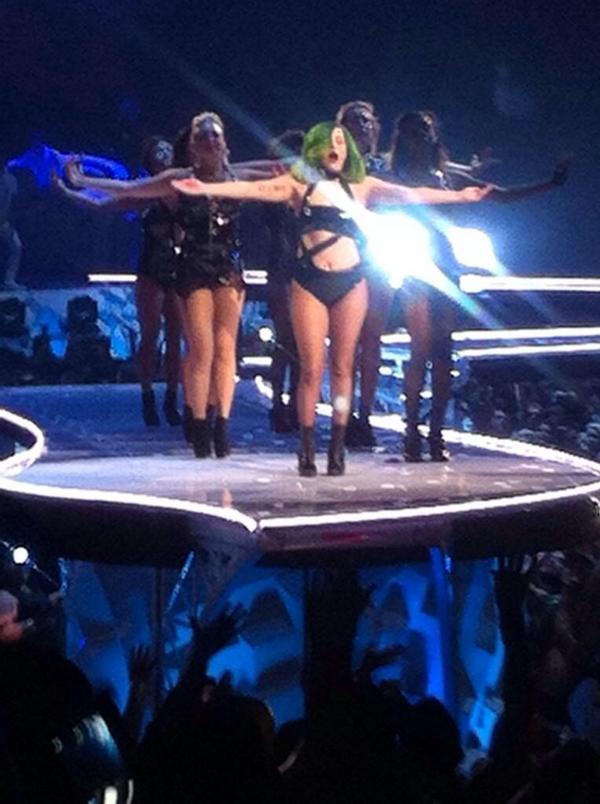 #artRave #MTVHottest Lady Gaga http://t.co/9Bxz2tCir0