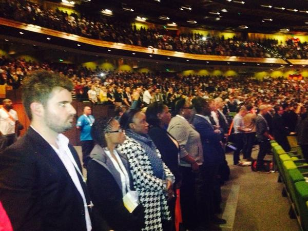Thousands of delegates stand for a minute'a silence @AIDS_conference in tribute to those who never arrived http://t.co/tNEmF6GLNU