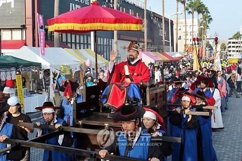 @udonmarunomi QT@ikaryakuchan: 韓国のテレビ局「韓国から日本に文化を伝えていた」 保守速報 http://t.co/A7VVQNaSVg @hoshusokuhouさんから 歴史のねつ造 http://t.co/EeEgEMFTfM
