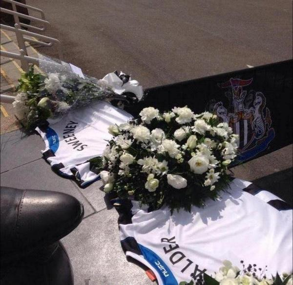 Tributes pour in for two #NUFC fans killed aboard flight #MH17 - http://t.co/1jOqzaueJS http://t.co/L0n8p0BPty