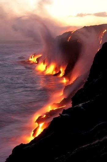 Lava meets ocean in Hawaii, USA: http://t.co/3k8zSibk0n