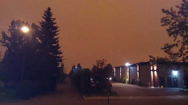 Shared from a viewer in Prince George. Widespread, thick smoke from wildfires has turned day to night. @GlobalBC http://t.co/RbCUdcwFn0