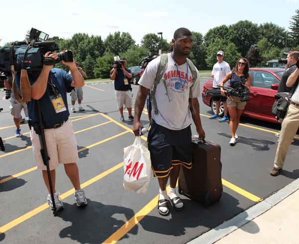 Nice T-shirt for #preptalkalumni of @CanisiusHSFB. MT @jmccoyphoto: Jimmy Gaines reports for #Bills training camp http://t.co/V8ZMMNmQfp