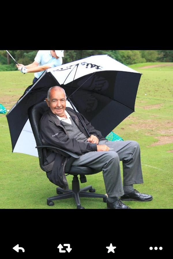 Sad to hear the news of Bob Torrance passing away a legend in the golfing world you will be missed #RIP http://t.co/rmXSwdtjjQ