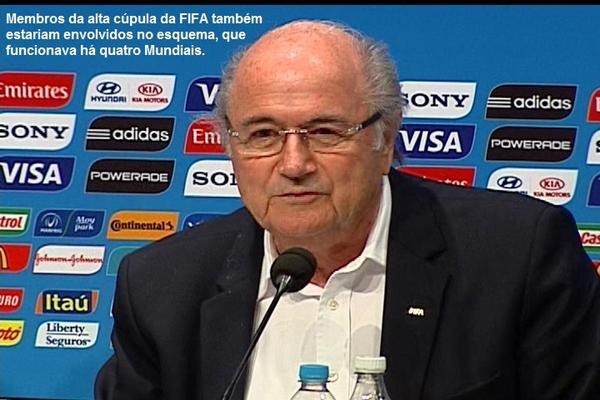 Jornalista britânico Andrew Jennings afirma que presidente da FIFA, Joseph Blatter, é o chefe da máfia dos ingressos. http://t.co/OU31RbH9Wz