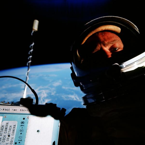 Did you know I took the first space selfie during Gemini 12 mission in 1966? BEST SELFIE EVER http://t.co/JfPAiVXmLk http://t.co/DuwDXvcDmp