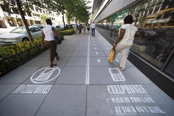 Social experiments in Washington DC. We should have one in Tokyo as well.  日本でも実験してみて欲しい。 http://t.co/AmevLlgk0I
