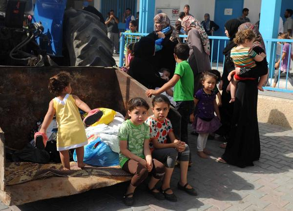 Every person tweeting their despair at war on Gaza can support @UNRWA & donate to help #Gaza. http://t.co/YTGPE6DPDE http://t.co/tkQ5psRrnG